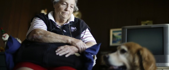 Thanks to partnerships between Meals on Wheels (a nonprofit for low-income seniors) and pet groups across the country, fewer people and pets are going hungry./Photo credit: Associated Press