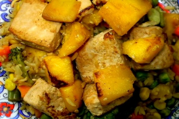 (VEGAN/VEGETARIAN) Mango and Tofu Fried Rice is nutrient rich for the vegan diet.