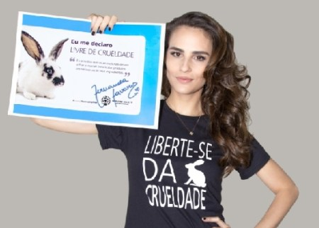 Supermodel Fernanda Tavares poses for ads supporting Humane Society International (ANIMAL WELFARE/COSMETICS TESTING)