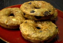 Enjoy these banana chocolate chip donuts as a healthy breakfast, snack, or dessert. (VEGAN/VEGETARIAN RECIPES)