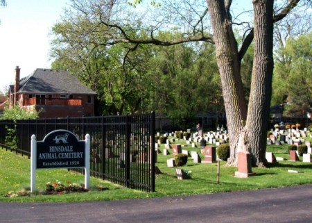 Hinsdale Animal Cemetery decorates its grounds according to the seasons. Photo credit: Leskra