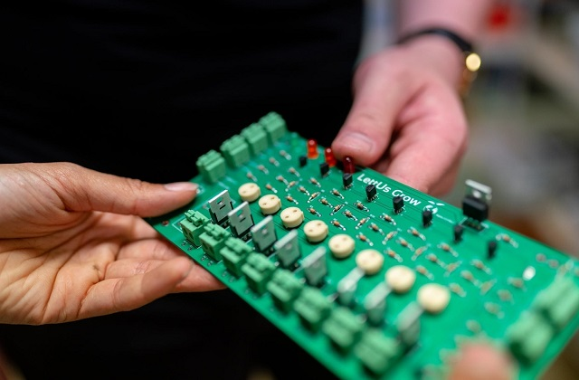 Knowing of PCBs & PCB assembly manufacturer