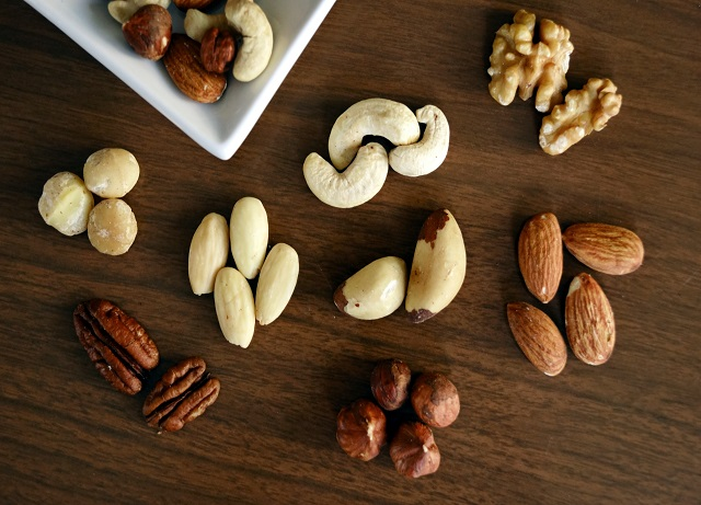 The Top 9 Healthy Nuts For Your Snacks Time