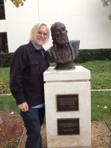 """Peter McLaren and Paulo Freire´s statue at Chapman University, California, USA."""