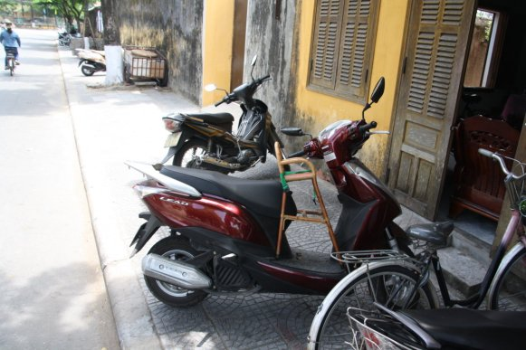 Vietnamese equivalent of a child car seat!