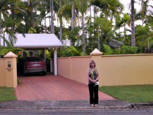 PARADISE VILLA B&B, Port Douglas Accommodation Review.