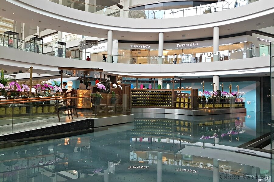 3 day guide to singapore the shoppes at marina bay sands