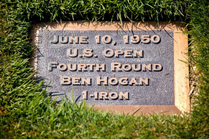 Plaque commemorating Hogan's 1-iron shot
