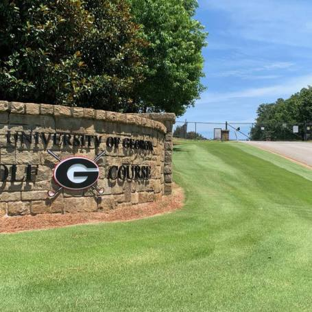 UGA, Yale Bonded As Golf Holdouts