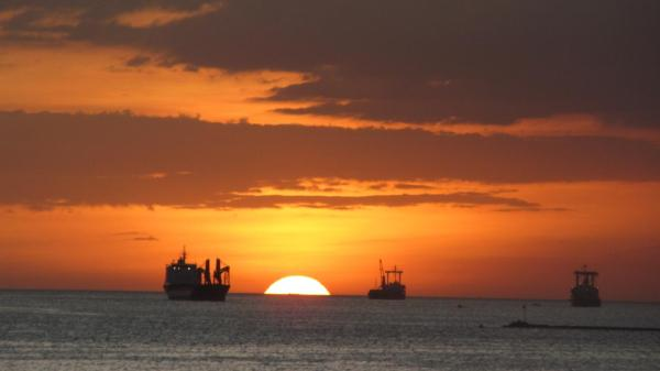 Sunset over Manila Bay Jan 2013