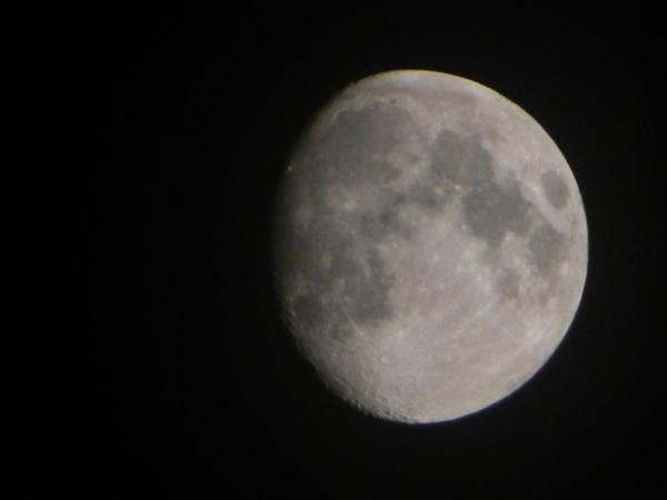 Waxing Gibbous Moon 5 October 2014 - Photo by PH Morton