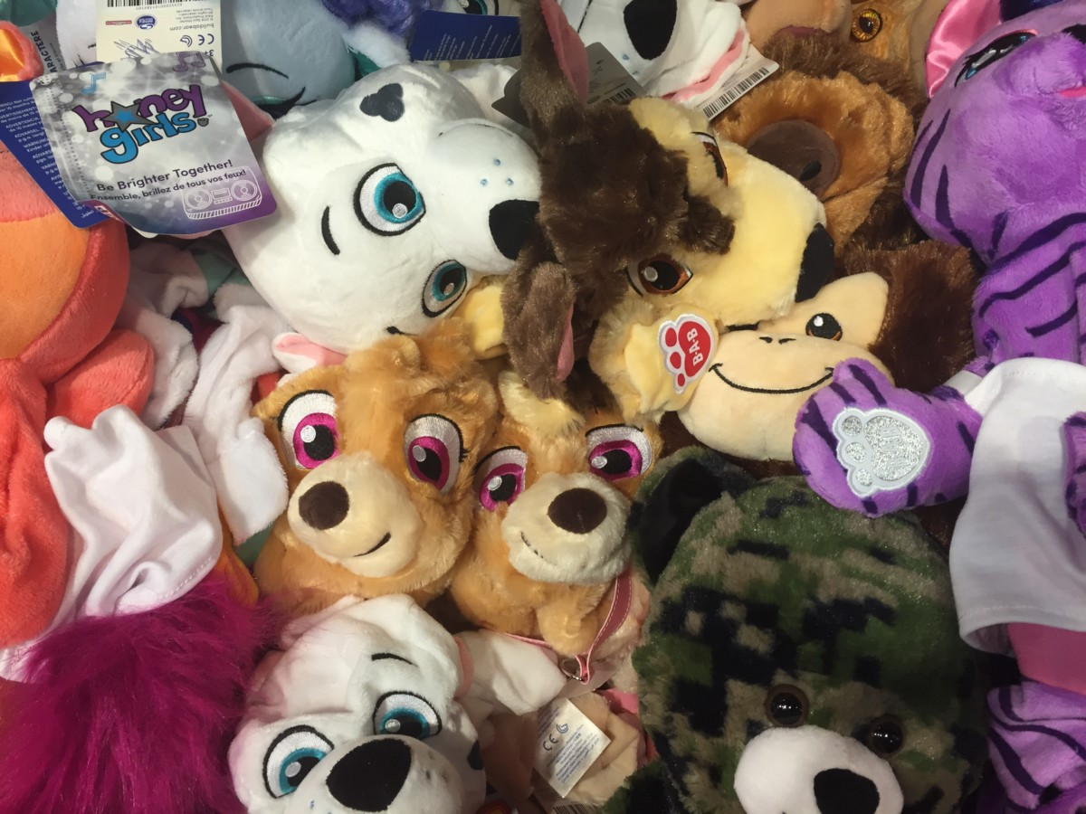 finding a special furry friend at build a bear 2016. Black Bedroom Furniture Sets. Home Design Ideas