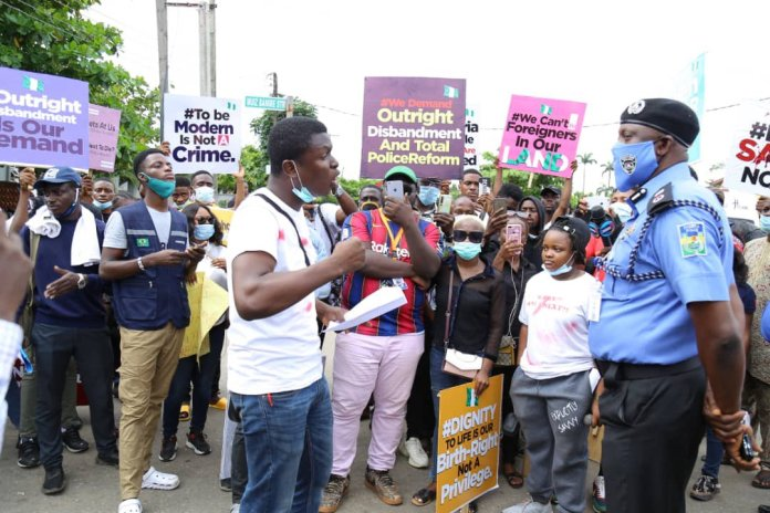 The Lagos CP Hakeem Odumosu Meet Protesters And Promised To Follow IGP's Directives
