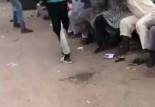 Video Of Nigerian Youths Sharing COVID-19 Palliatives To The Poor