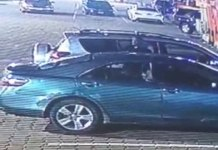 Video Of A Man Who Drove Into A Supermarket In Lekki And Breaks Into A Car Then steals Items