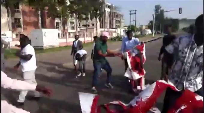 Video Of Sowore Deji Adeyanju And Others Starts The Second Phase Of #EndSARS Protest In Abuja