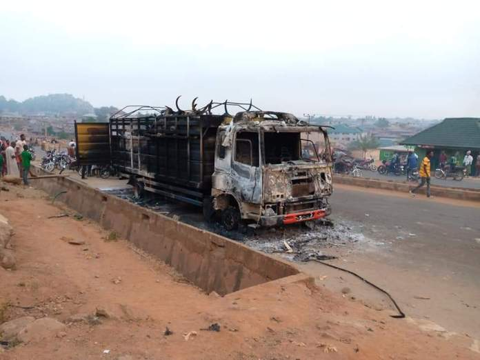 Cattle Laden Truck Burnt Down By Saki Youths In Oyo State For Killing A Boy