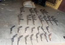 Photos of 27 rifles recovered by NDLEA from two criminals in Niger state