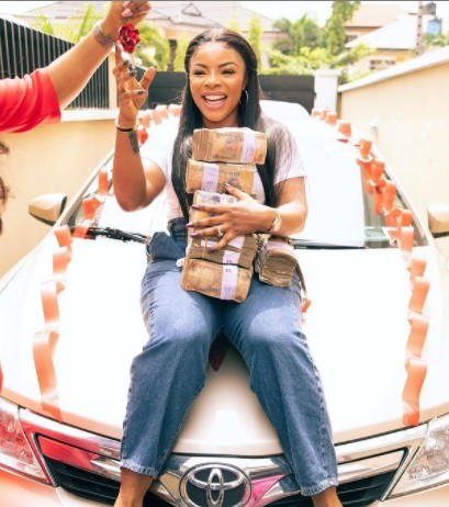 Video Of Laura Ikeji Receiving A Car And N3 Million From Susan Chanel As Birthday Gift