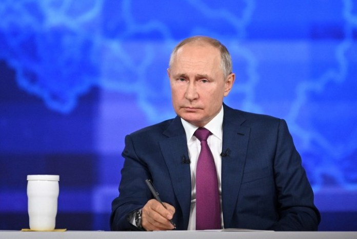 Russian President Vladimir Putin Signs A Law Mandating Twitter, Facebook, Others To Open Offices In Russia