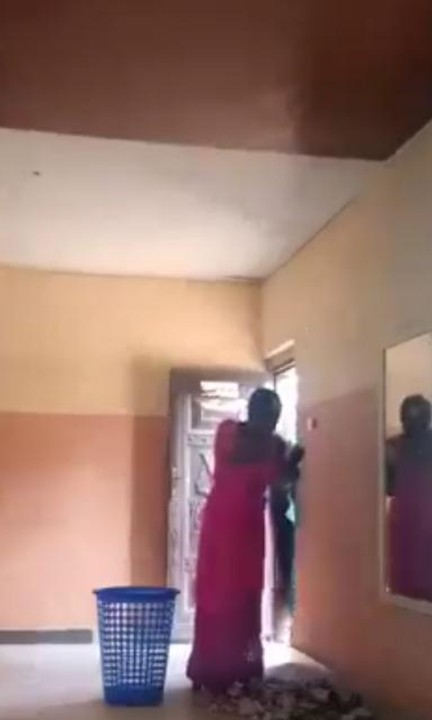 Video Of A Church Worker Stealing Money From Offering Basket And Stuffs Money In Her Bra