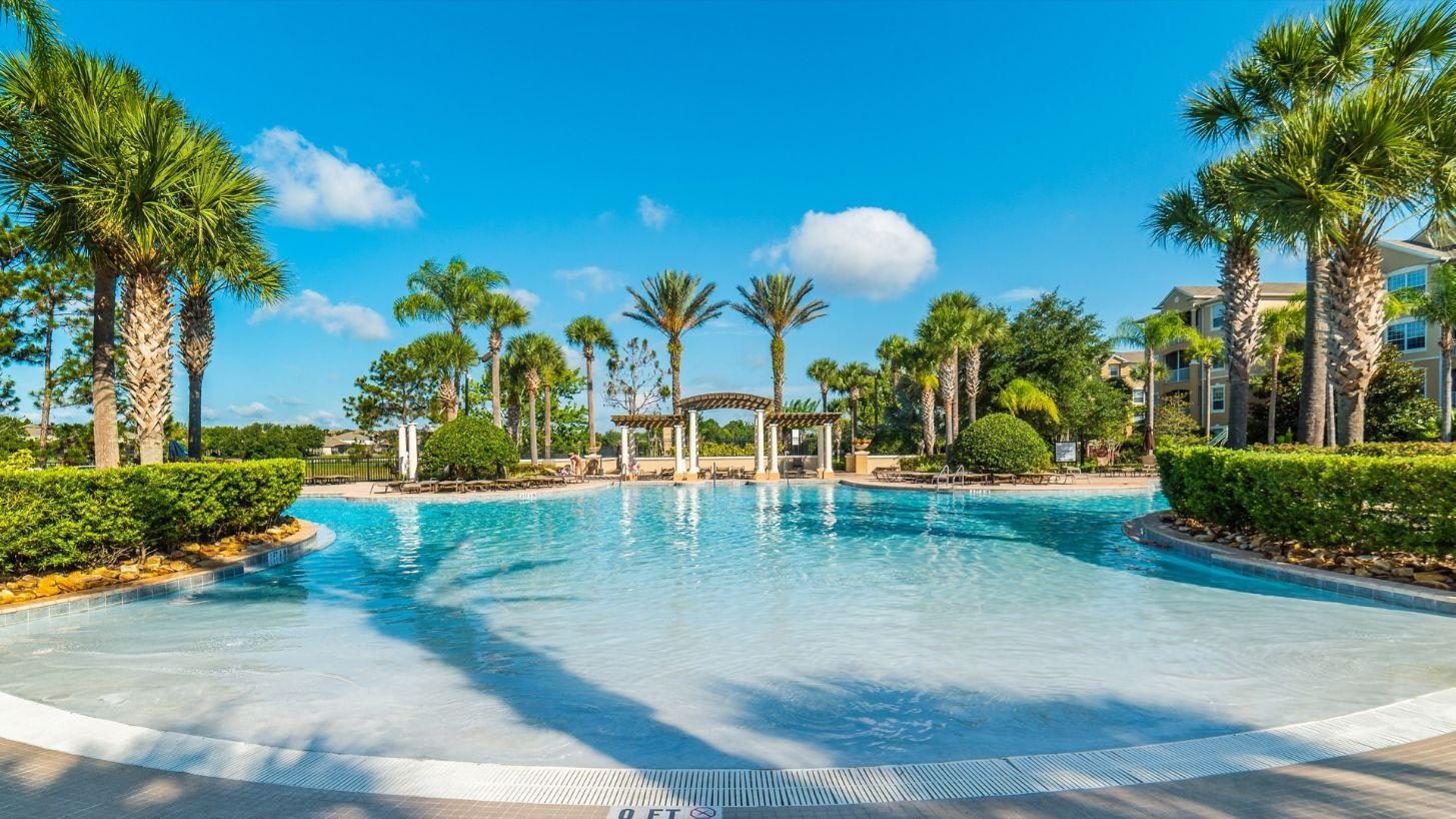 windsor hills resort pool and outdoor area