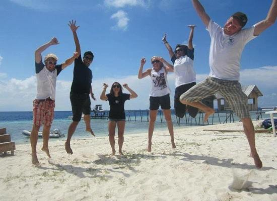 Volunteer group on beach at Borneo Marine Project