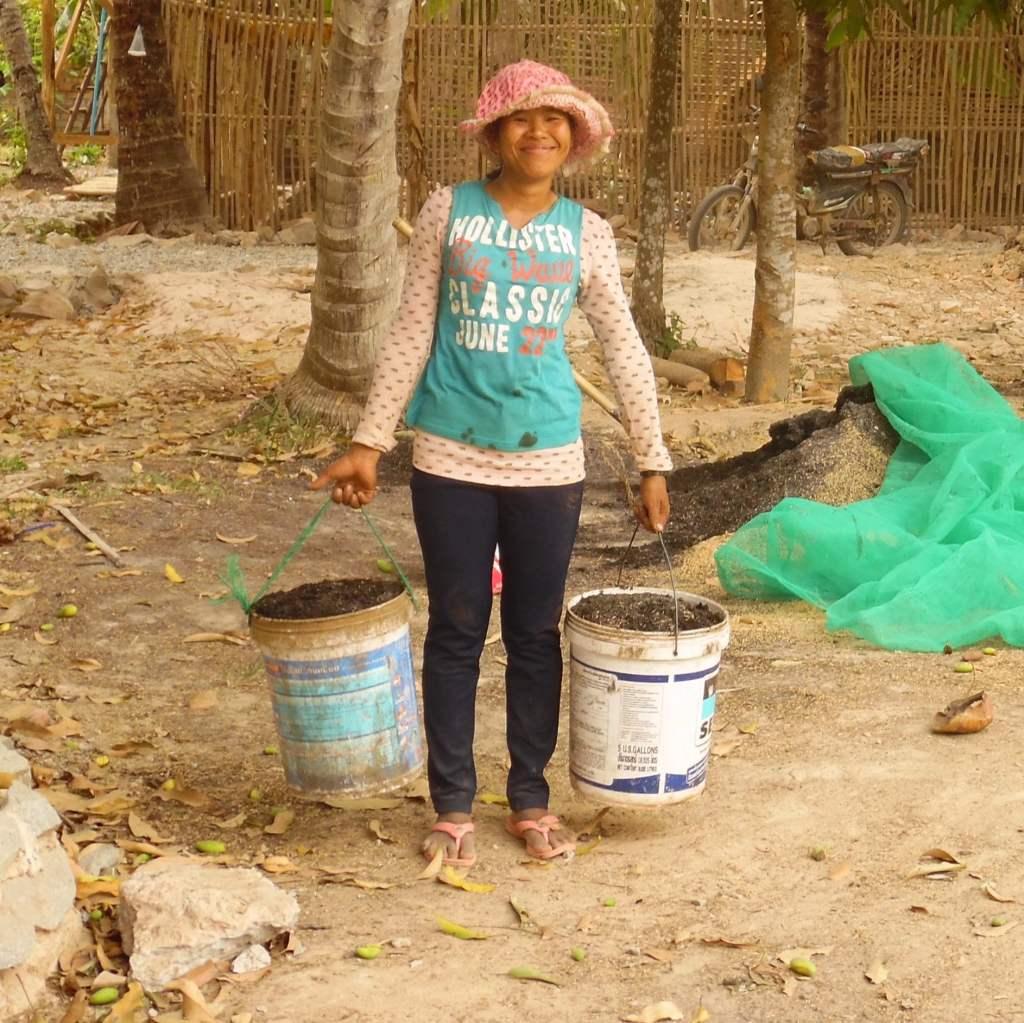 Rhi Rhom Globalteer Staff Water Helping Hands