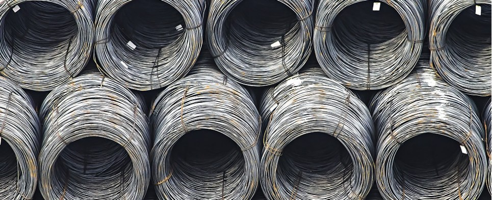 European Commission is investigating Chinese steel shipments of export cargo and import cargo in international trade.