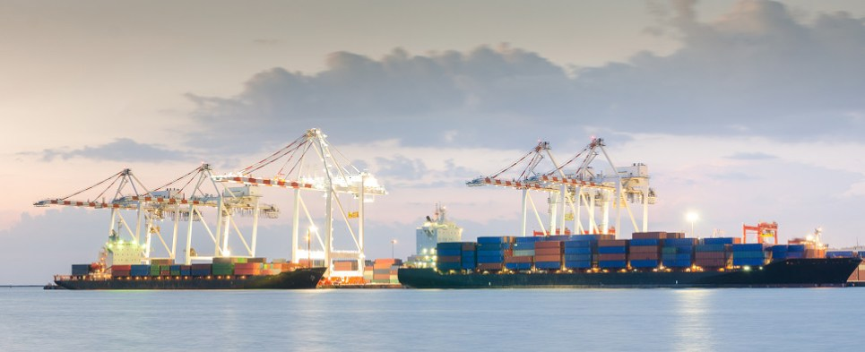 Freight rates for container shipments of export cargo and import cargo in international trade are dropping.