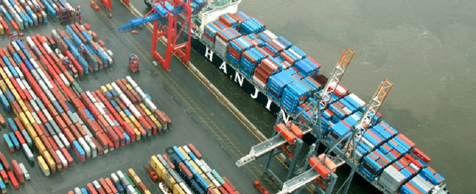 Evergreen Line taking steps to rescue shipments of export cargo and import cargo in international trade.
