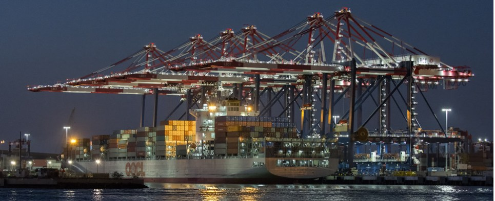 The port of Long Beach in 2016 saw fewer shipments of export cargo and import cargo in international trade.