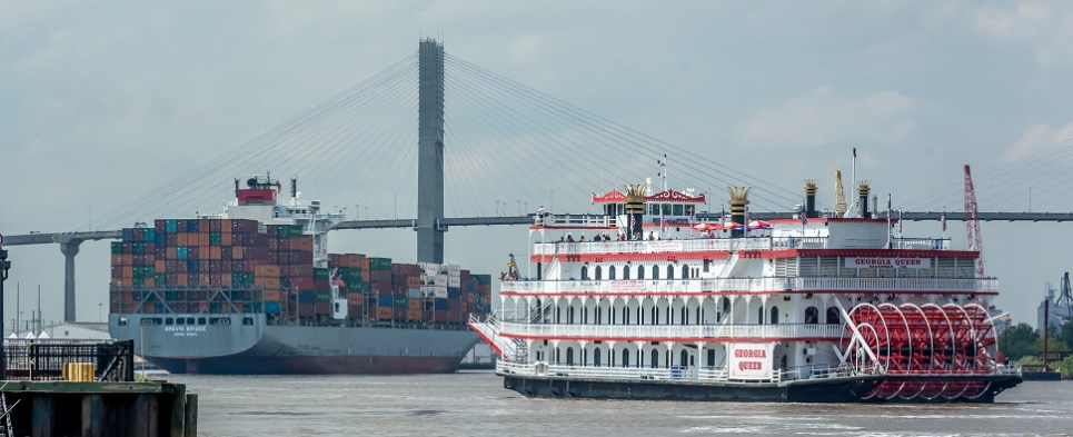 US ports are handling more shipments of export cargo and import cargo in international trade.