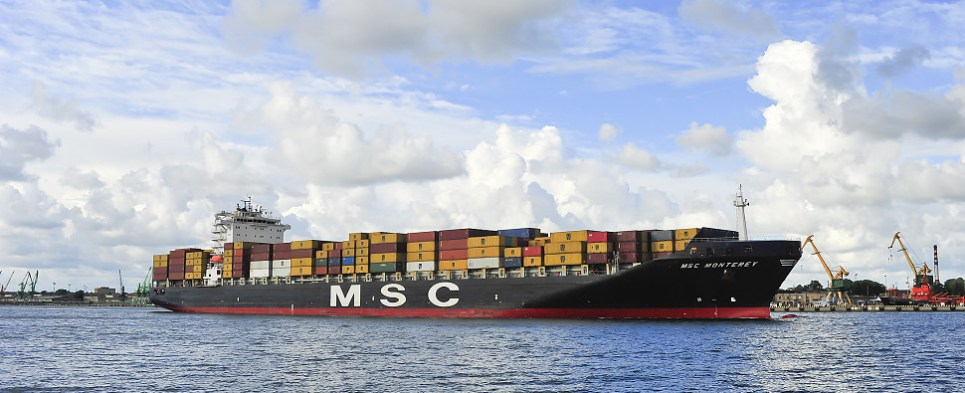Cosco carried more shipments of export cargo and import cargo in international trade.