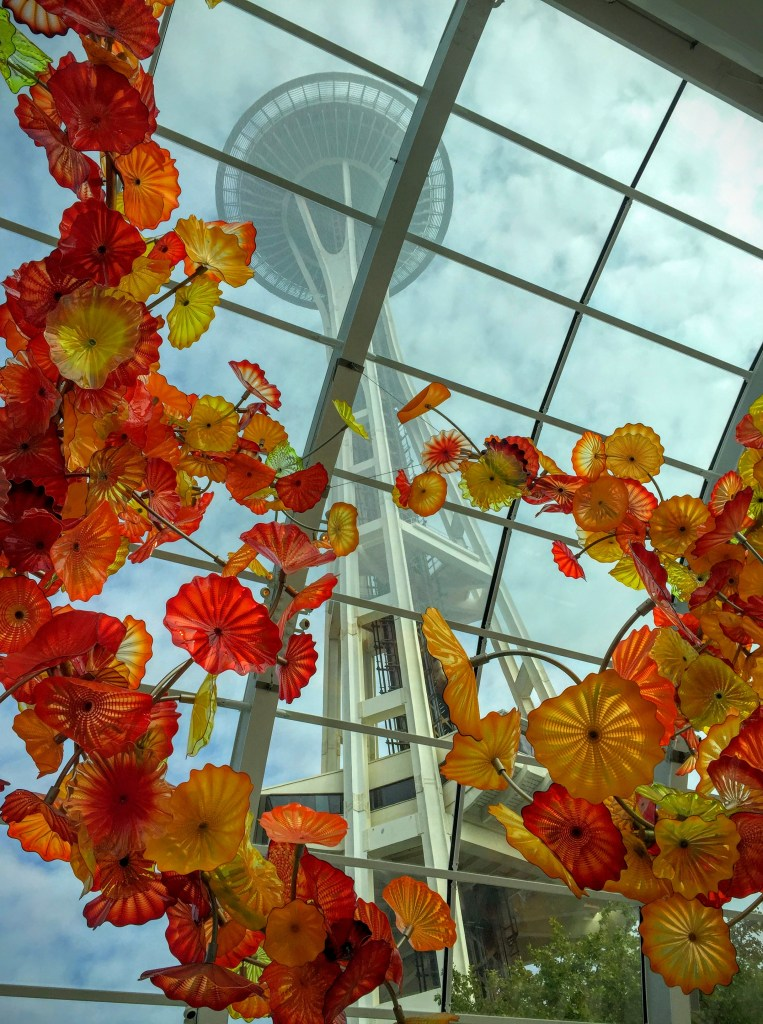 Things to do in seattle washington on your next trip to the pacific northwest for Chihuly garden and glass hours