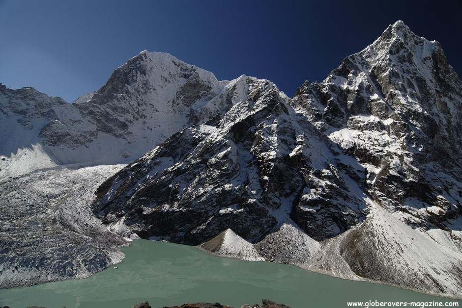 Chola Tsho Lake (4,590m), Chola Glacier (L), south of Dzonglha, Nepal