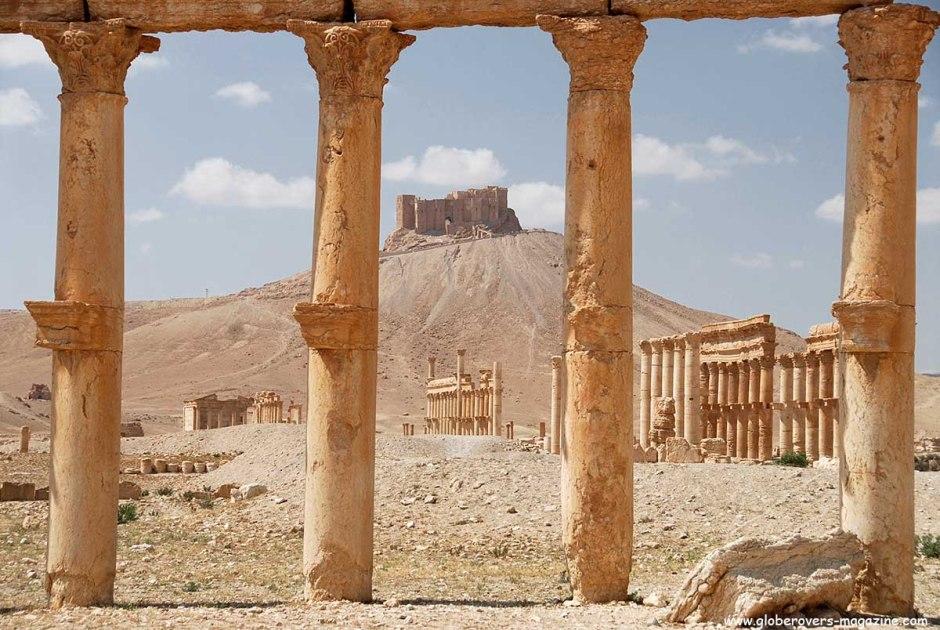 Great Colonnade and Qala'at Ibn Maan, Palmyra, Syria