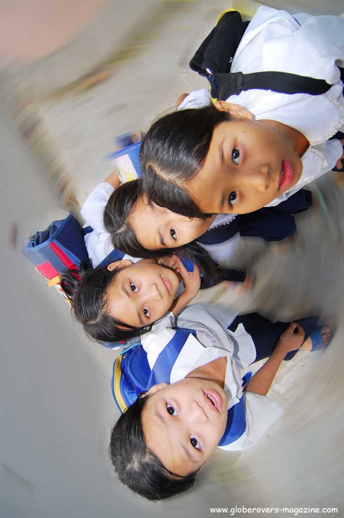 Portraits - Kids at Dieu De National Pagoda, Hue, Vietnam