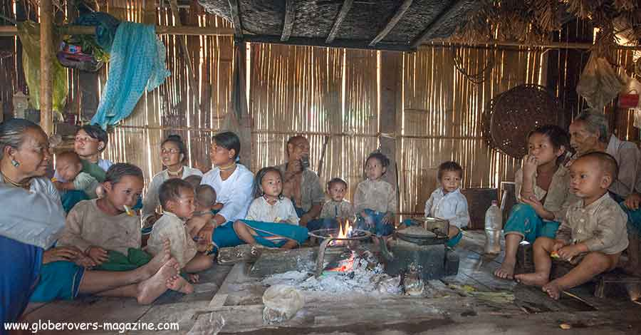 Having tea with the Lahu-shi people at Pang Pack village