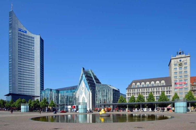 Augustusplatz mit City-Hochhaus, Universität und Krochhaus
