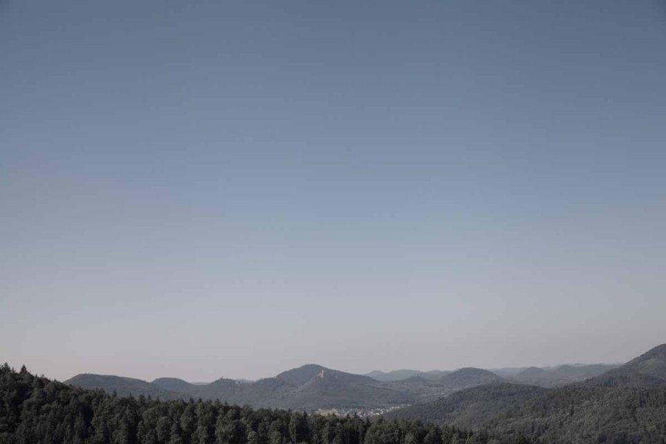 Deutsche Weinstrasse Hütten Wald - Landschaft Hügel