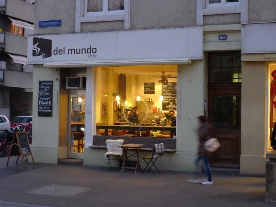 Cafe-Del-Mundo-Aussenansicht