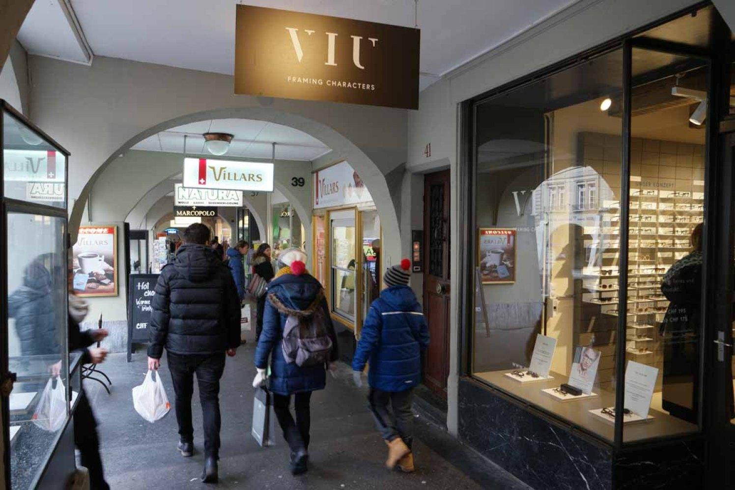 Shoppen in den Arkaden von Bern