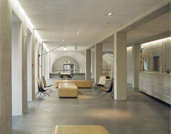Die Lobby der Jugendherberge St. Alban
