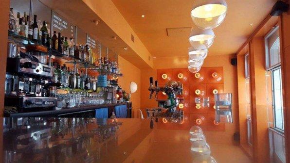 Die-besten-Bars-in-Basel12