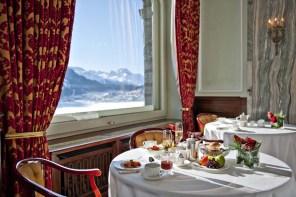 Frühstück mit Aussicht auf den St. Moritzerseee