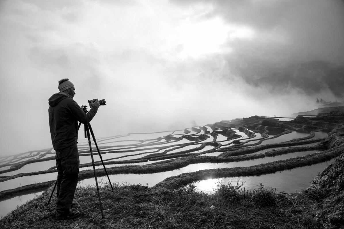 Fotograf Nico Schaerer bei der Arbeit - © Nico Schaerer, nuvu.ch