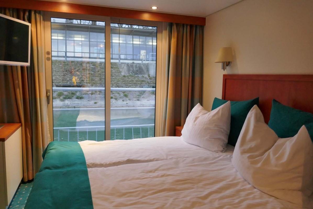 Sie Superieur-Kabine verfügt über ein komfortables Doppelbett und einen französischen Balkon.