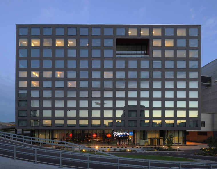 RS-22 Radisson BLU Zurich-Airport