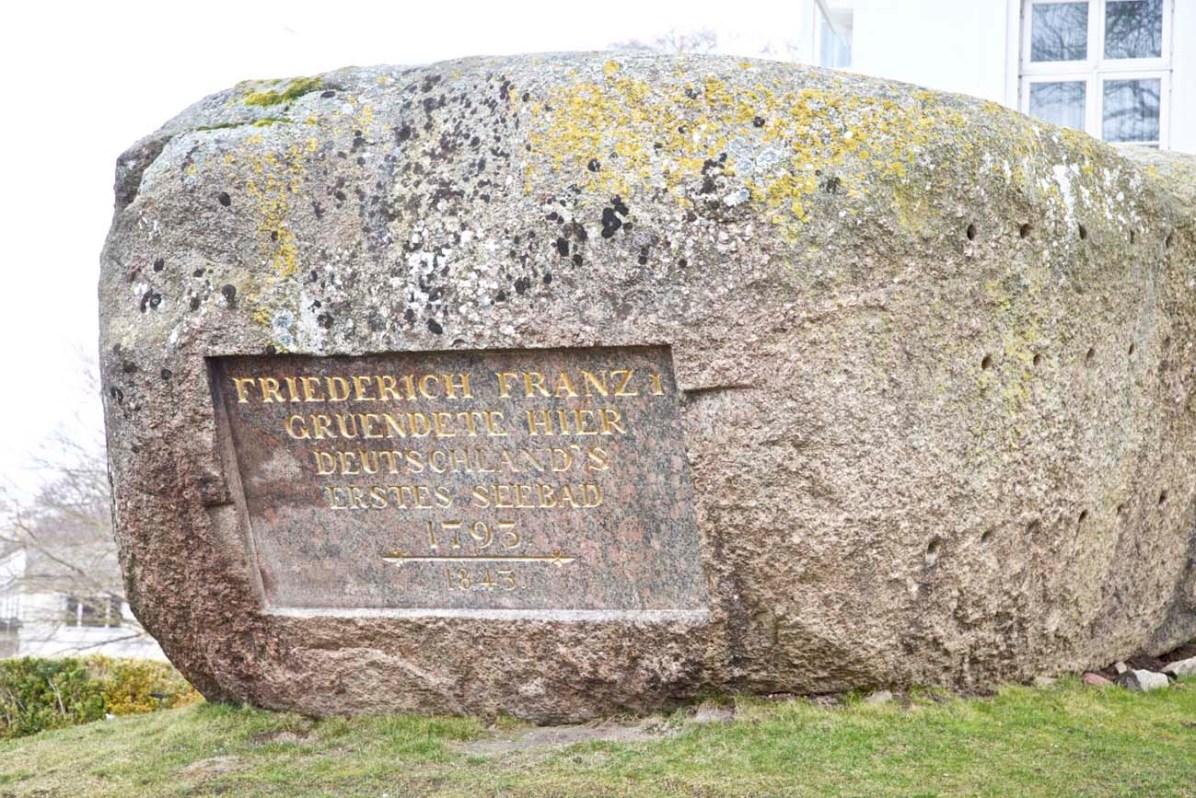 Der Gedenkstein für Friedrich Franz